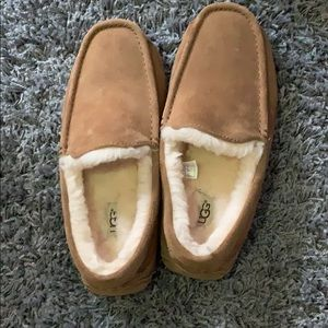 UGG Fully Lined Loafers Men's Size 9